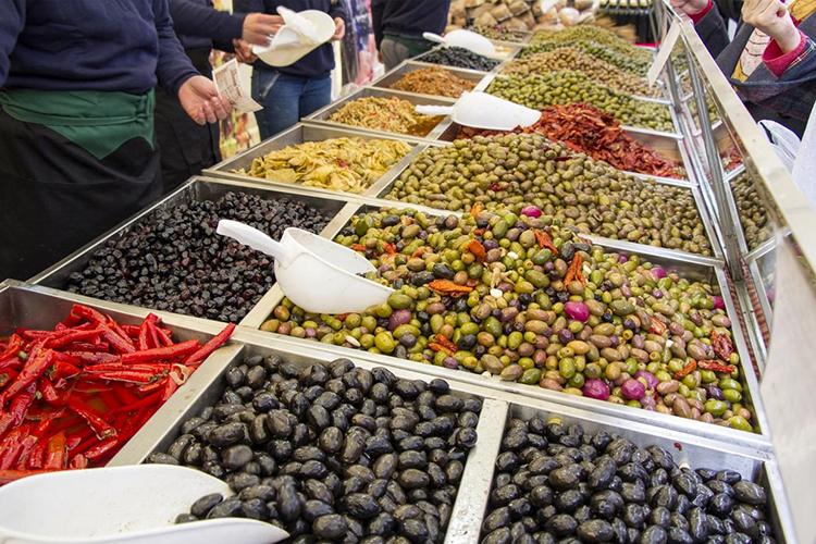 Griechischer Olivenstand