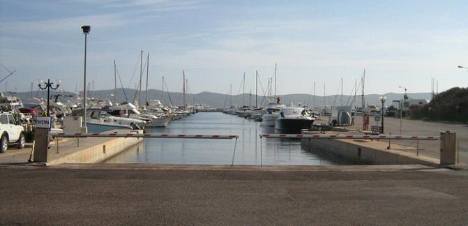 Ausblick auf den Yachthafen Lavrion